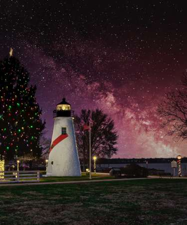 Holiday Lighthouse
