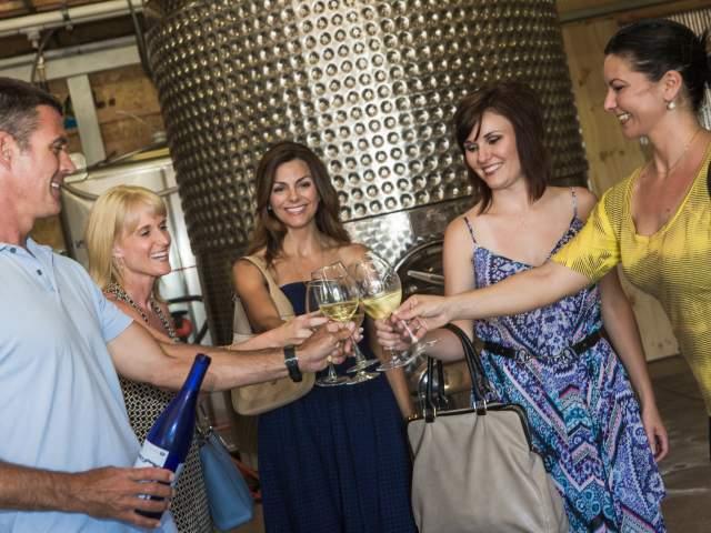 Sugar Creek Wine Tours cvb_2016_0280