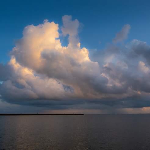 plans-travel-tools-weather-port-aransas-texas-dark-clouds-sky