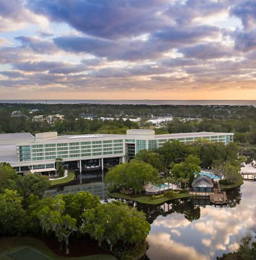 Recently renovated and brimming with amenities, the Sawgrass Marriott Golf Resort & Spa features an elegant resort in Ponte Vedra Beach, next door to the legendary TPC Sawgrass.