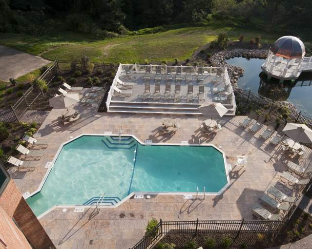 Woodcliff Hotel Pool