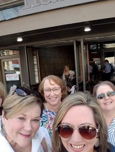 group of women - daytrip