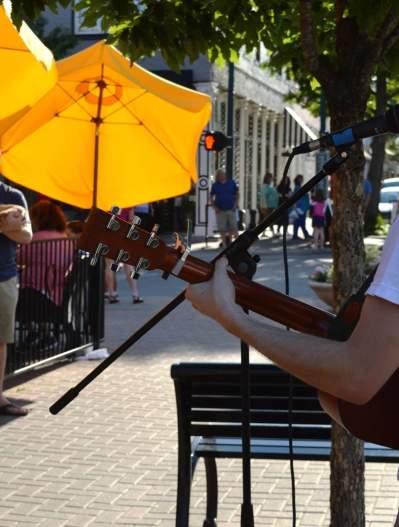Guitarist in downtown McKinney