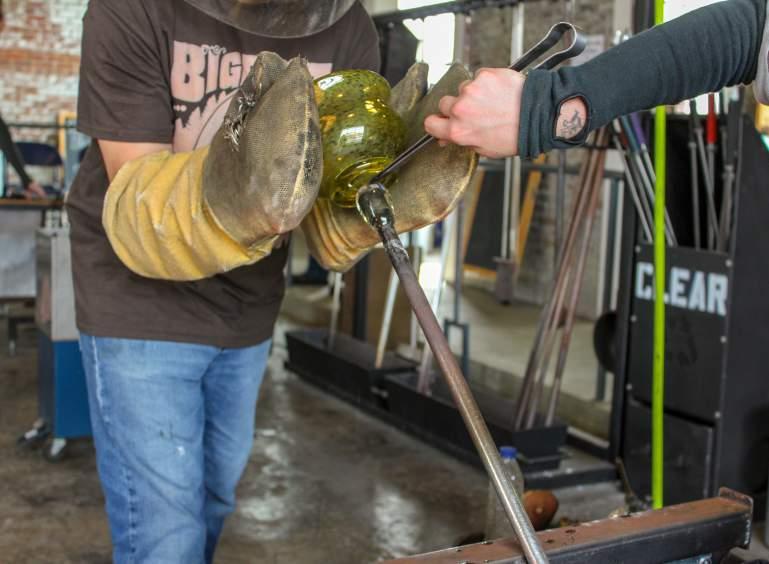Farmville ECU Glass Station