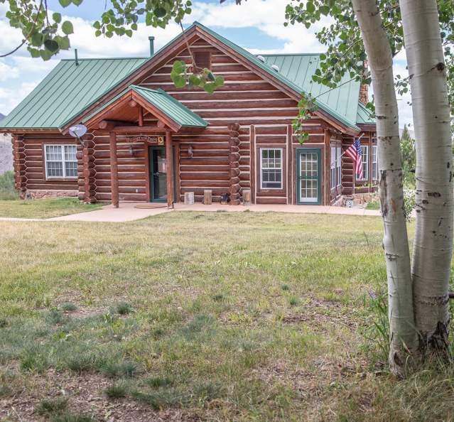 Cabin lodging at Antler Basin Ranch