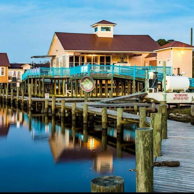 Little River Marina Bar - Moss Point Restaurants