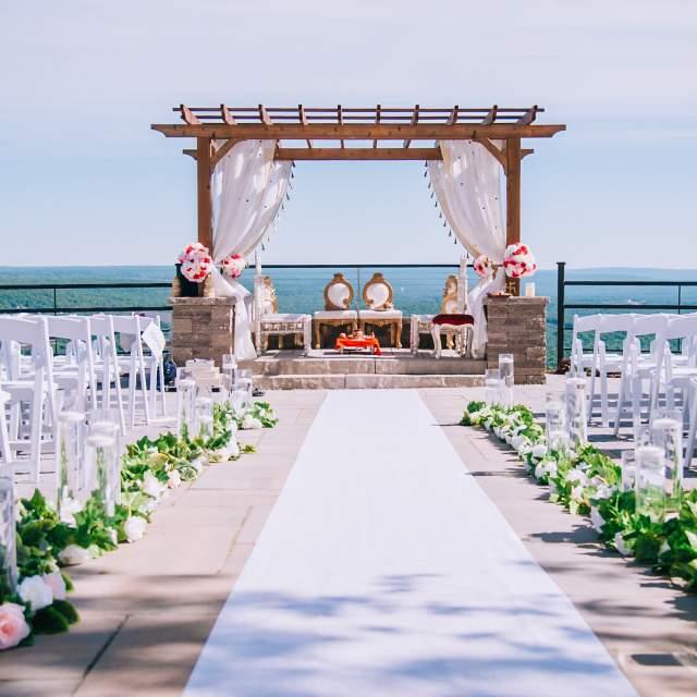 A Pocono Wedding at the Summit House
