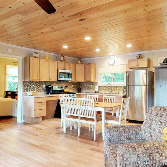 Explore cottages and cabins in the Poconos