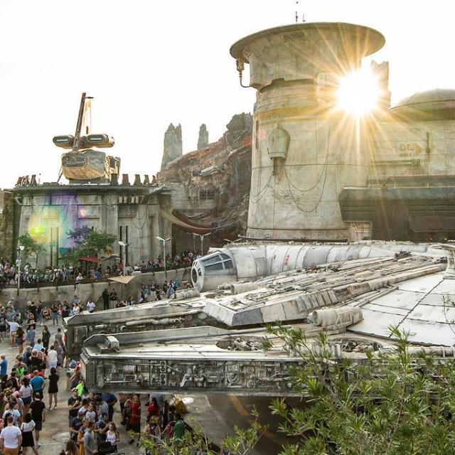 Star Wars: Galaxy's Edge Falcon overview at Disney's Hollywood Studios.