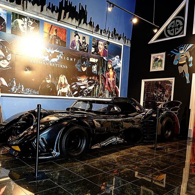 Dezerland Action Park Batmobile