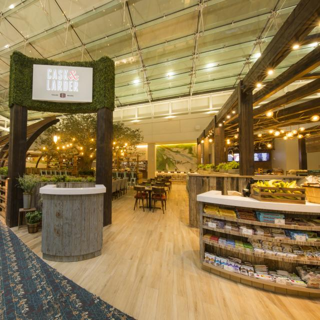 Orlando International Airport - Cask & Larder restaurant