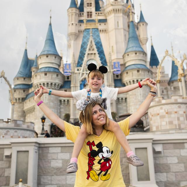 Influencer Katie Ellison and her family visit Walt Disney World