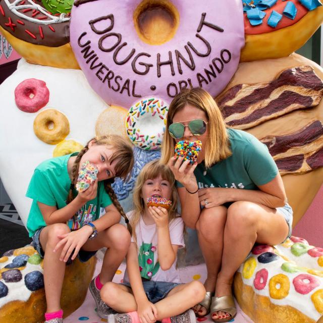Influencer Katie Ellison and her family visit Voodoo Doughnut at Universal Orlando