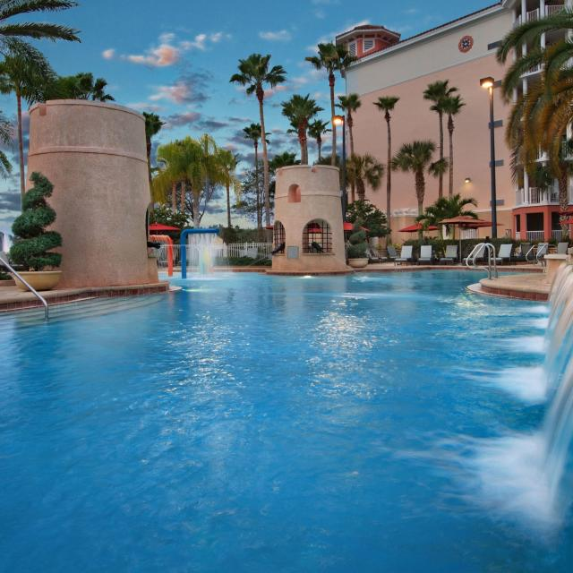 Marriott's Grande Vista pool and fountains