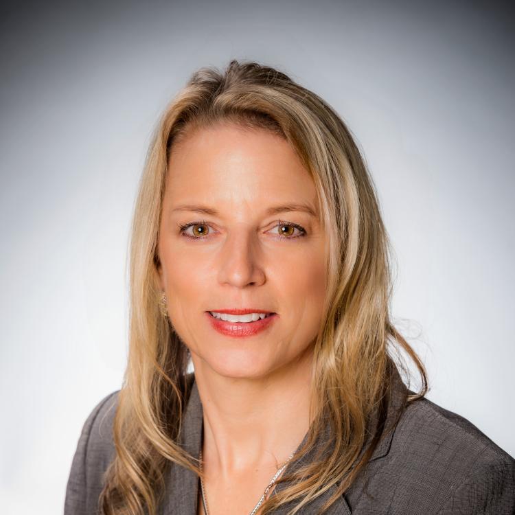 Headshot of Danielle Hollander, Visit Orlando, Chief Marketing Officer