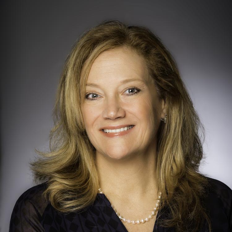 Headshot of Elaine Blazys, Associate Vice President of Travel Industry Sales