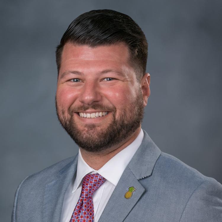Headshot for 2021 Visit Orlando Board of Director Robert Agrusa