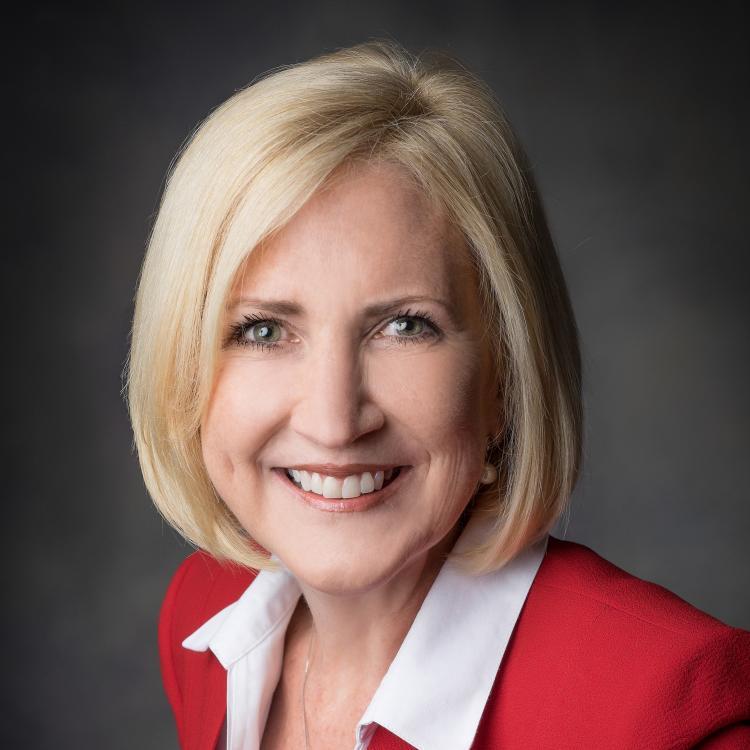 Headshot for 2021 Visit Orlando Board of Director Barbara Bowden