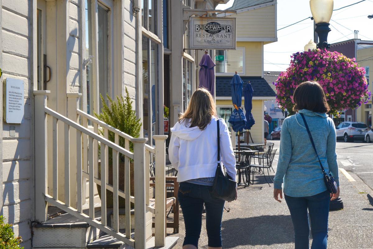Strolling on Bay Street to Bridgewater