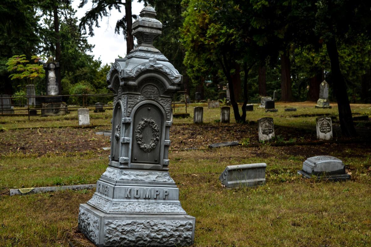 Eugene Pioneer Cemetery by Melanie Griffin