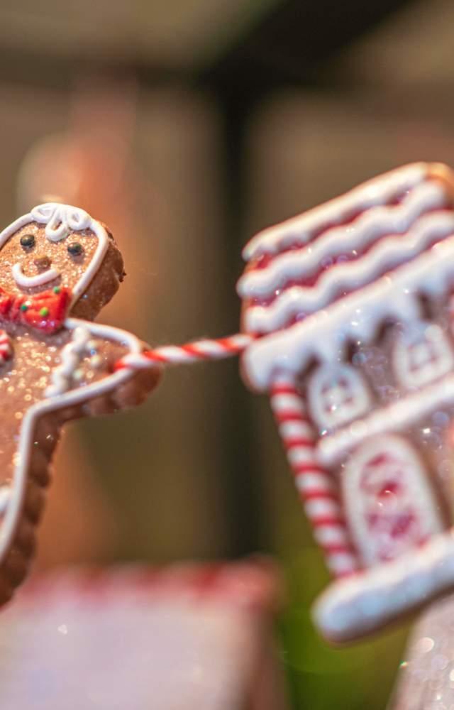 Gingerbread man Christmas garland