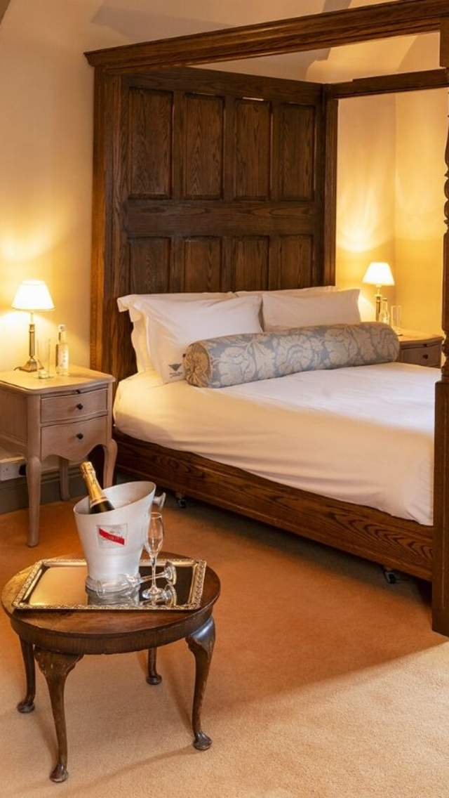 Four poster bedroom at Mortons Manor, Corfe Castle