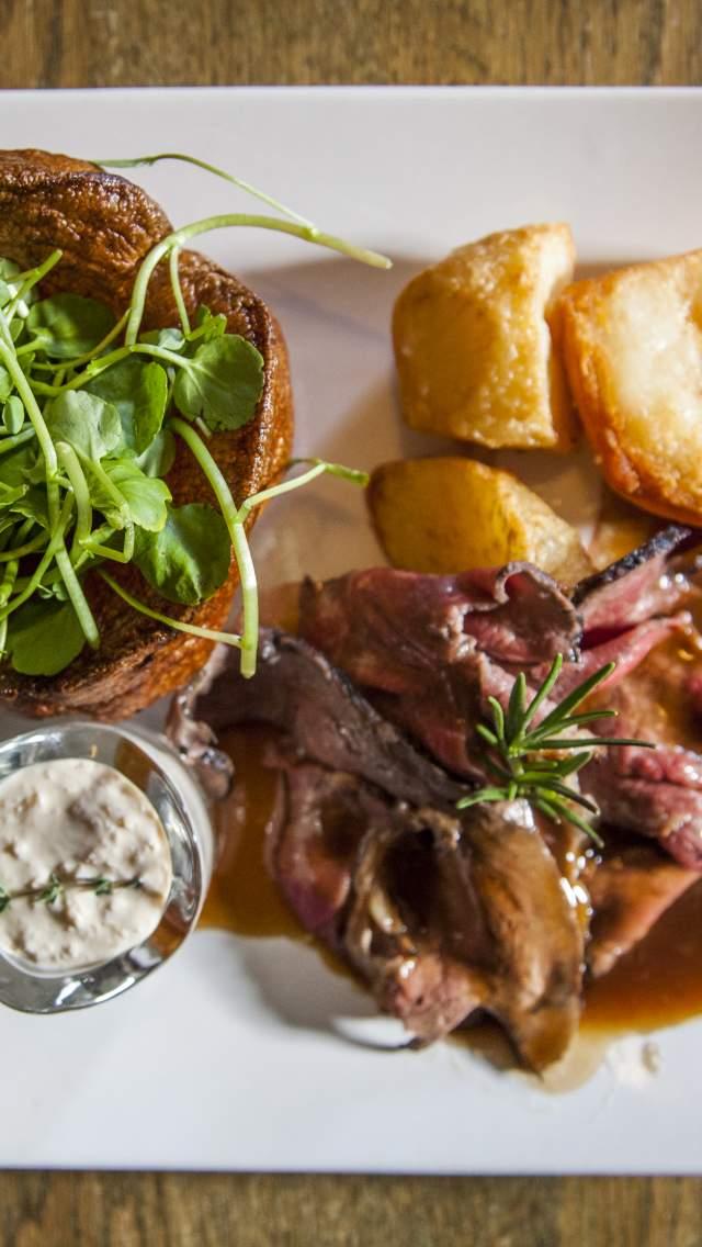 Roast dinner at The Greyhound Inn, Corfe Castle