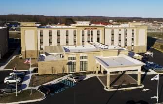 Hampton Inn & Suites Exterior Aerial