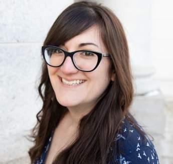 Headshot of Hilary Igl