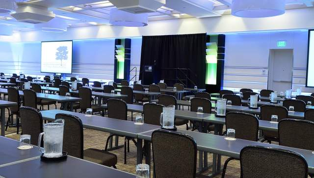 Hotels with Meeting Space