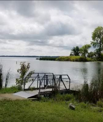 A small pier at Fish Camp County Park on a cloudy day