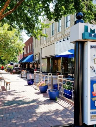 Kentucky Street sidewalk dining in downtown McKinney