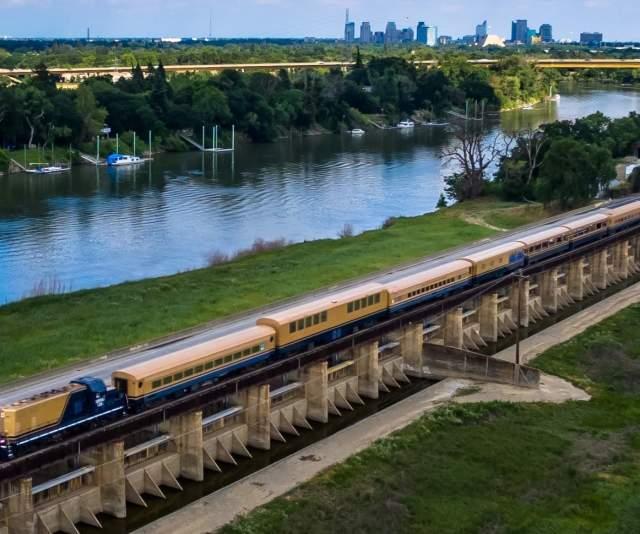 River Fox Train