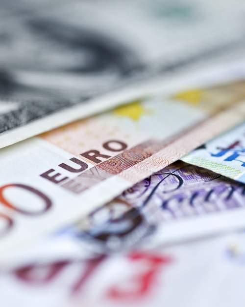 International Exchange Rates Money