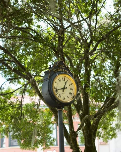 SEBRING-DOWNTOWN-CLOCK