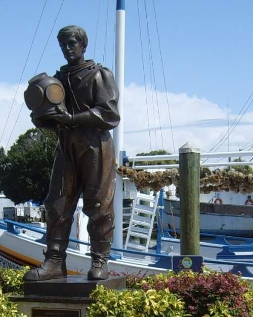 Sponge Diver Memorial Statue in Tarpon Springs, FL