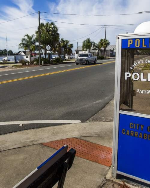 carrabelle roadside police box