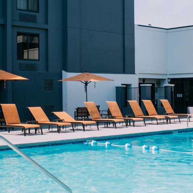 Gulfport Lodging - Courtyard by Marriott