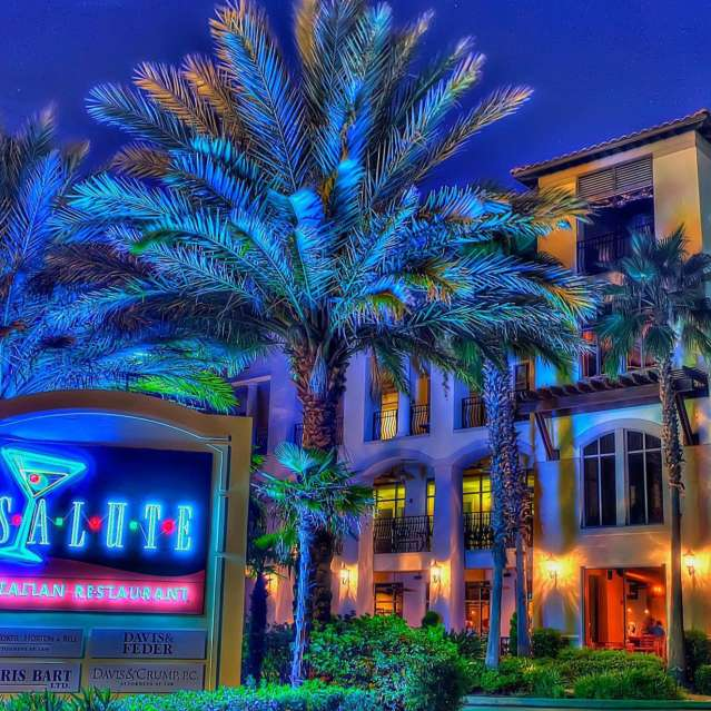 Salute Restaurant Exterior in Gulfport MI