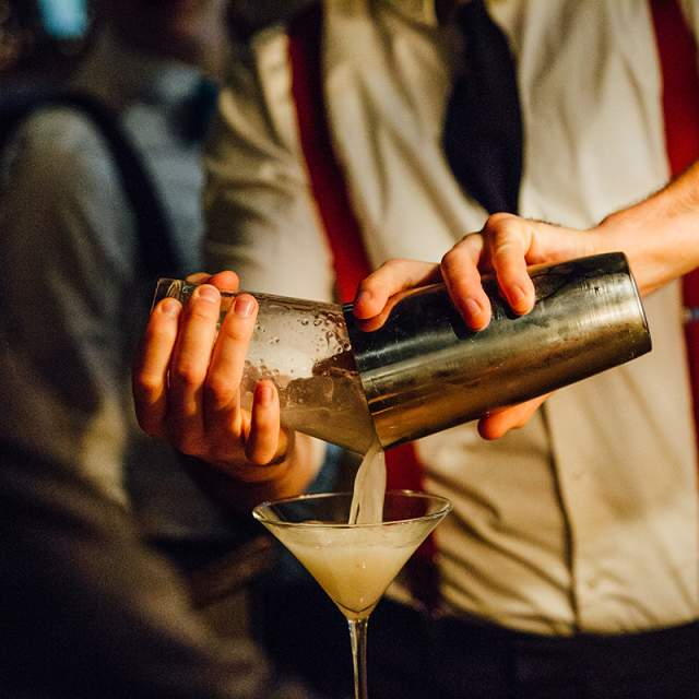 Bars/ Nightlife