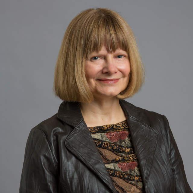 Lynn Hobbie headshot
