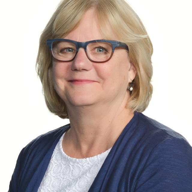 Julie Peterman headshot
