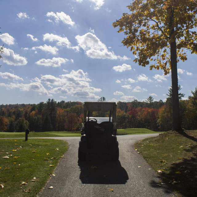 Play A Round of Golf this Fall in the Pocono Mountains
