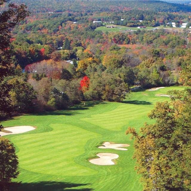 Golf Hideaway Hills in the Poconos