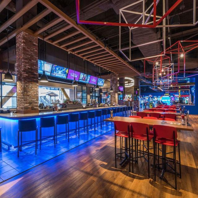 Main Event Orlando bar area