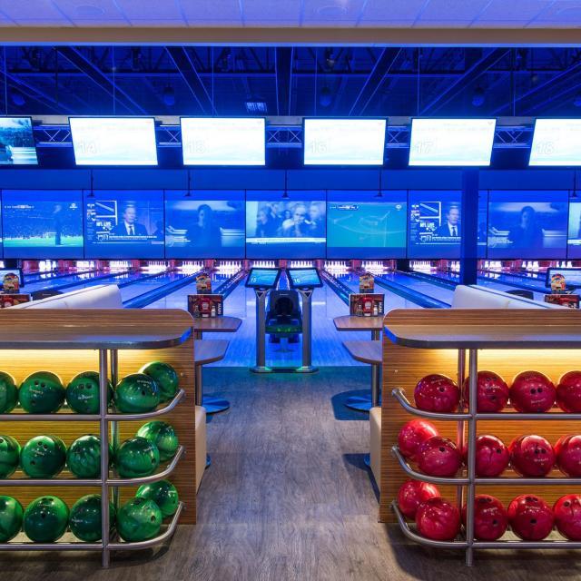 Main Event Orlando bowling balls