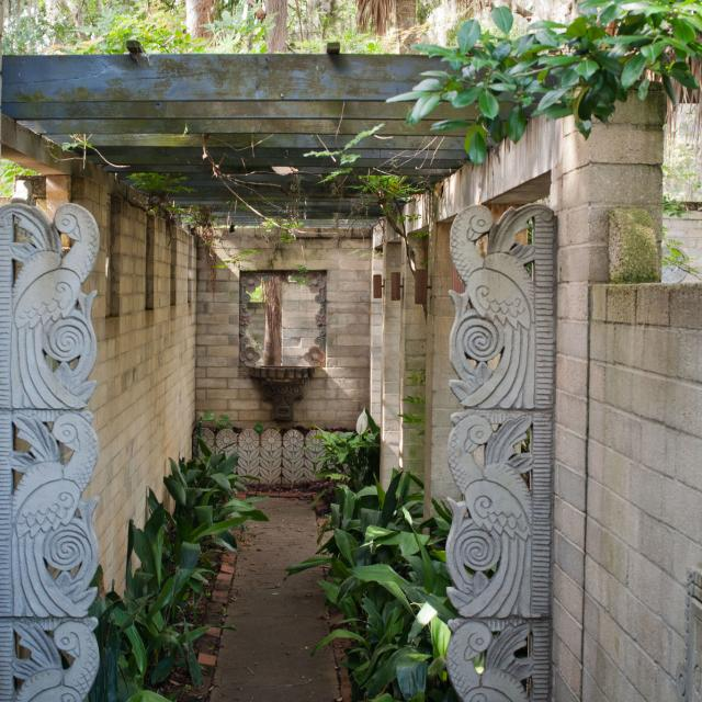 Art & History Museums - Maitland Mayan walkway