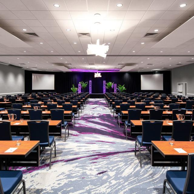 Avanti Palms Resort and Conference Center meeting room