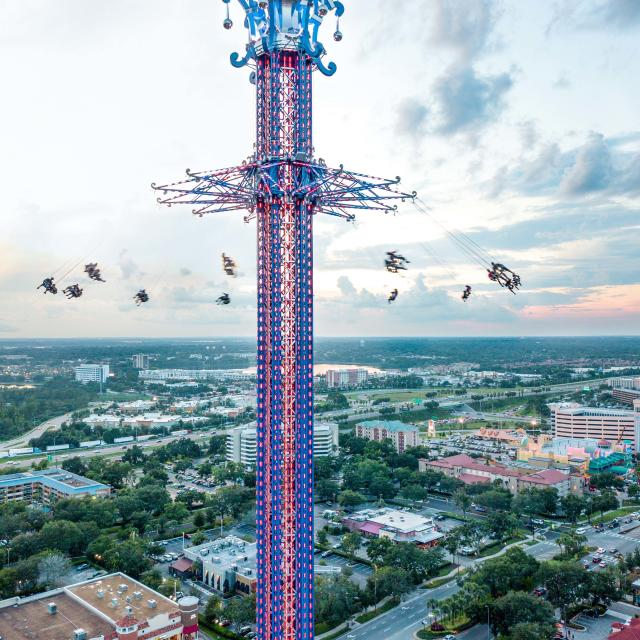 A view of the Orlando Starflyer from near the top, as it towers over International Drive.