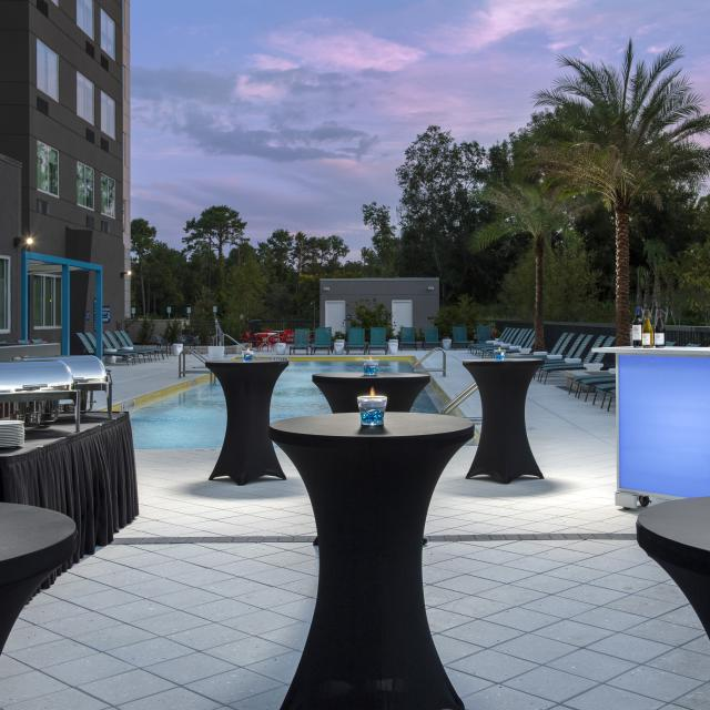 Tru by Hilton Orlando Convention Center pool reception